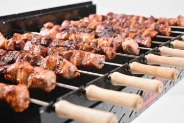 Preparare carne la rotisor
